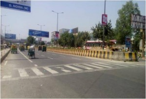 Pole Kiosk Anand Vihar To Dabur Red Light Toll 3'x5' ft x 2(Back to Back)